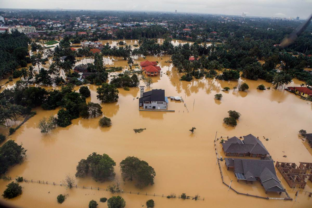 Flood situation worsens in north-east Malaysia